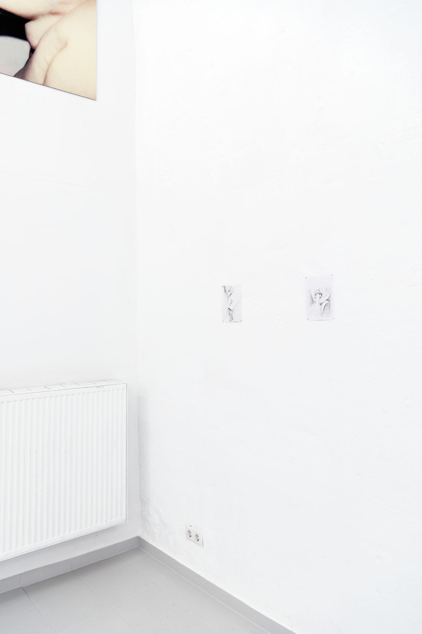 Clara Rotermund, Mein Profil und Mein Finger, Bleistift auf Papier, je 20,9 x 14,9 cm, 2021