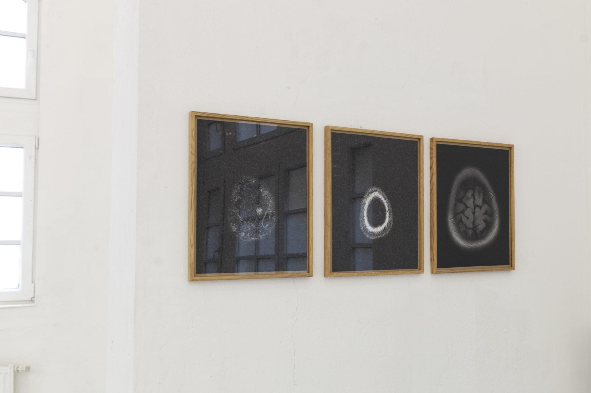 Leonie Kunz, ohne Titel, MRT scan auf Fotopapier, 2020(1)