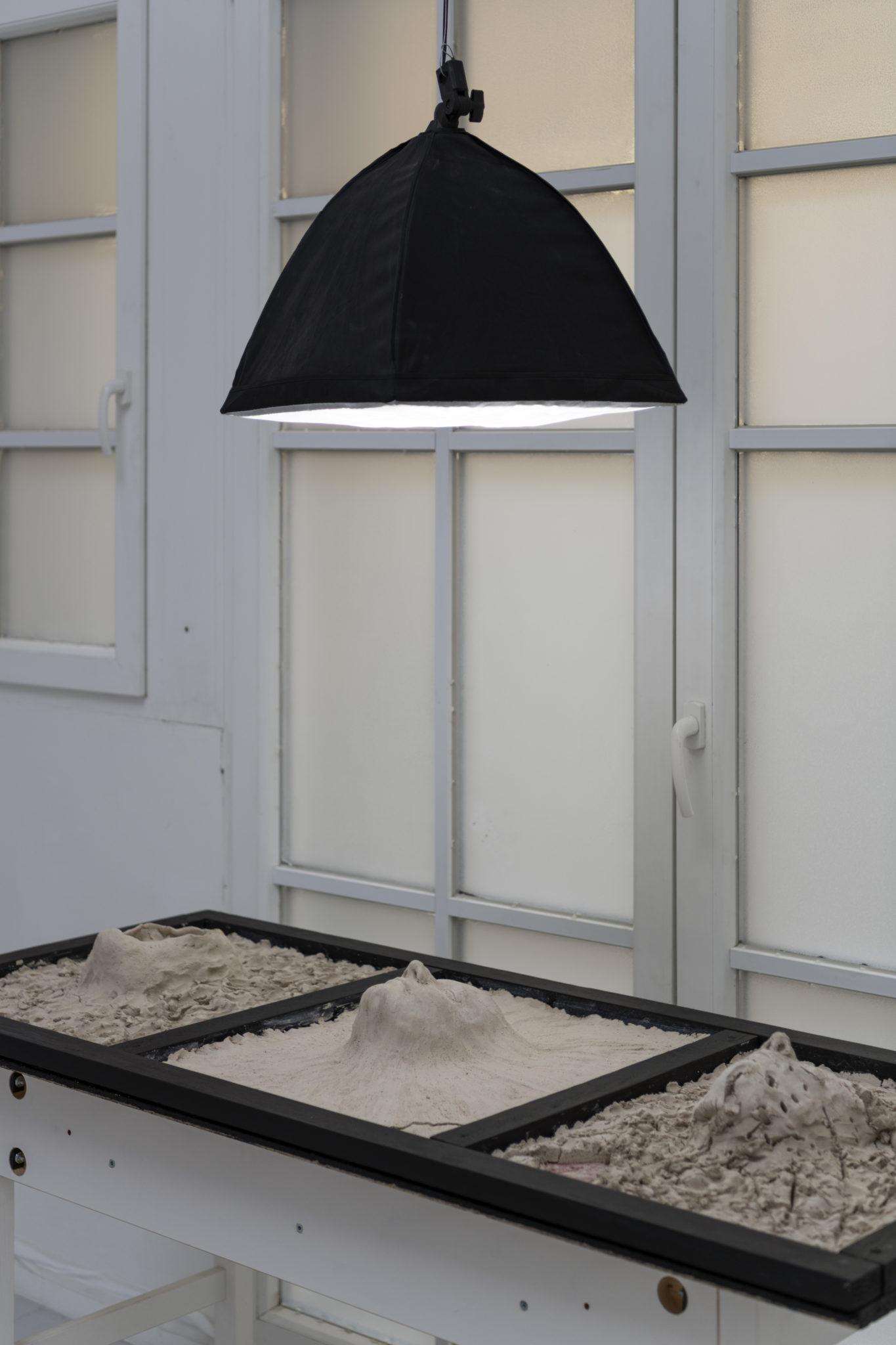 Nathanael Uhlig, Express Emotions, Ausstellungsansicht 61×151×20cm,2021,